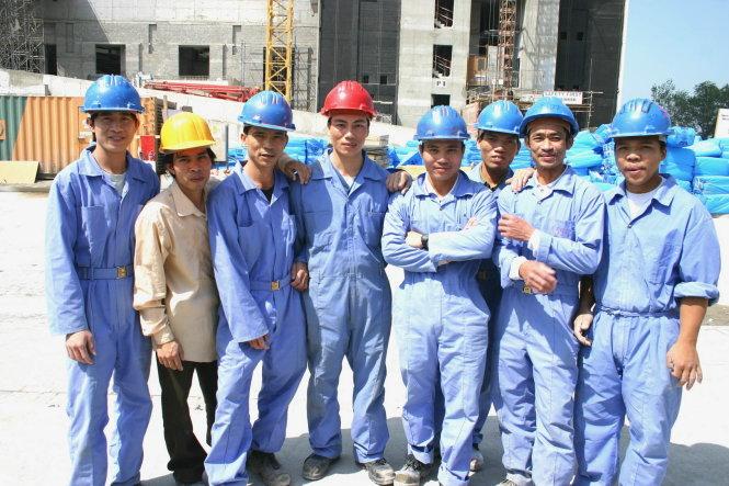 Lao động Việt Nam làm việc tại khu vực Trung Đông có mức thu nhập bình quân 500 USD/người/tháng. Ảnh: Đ.BÌNH
