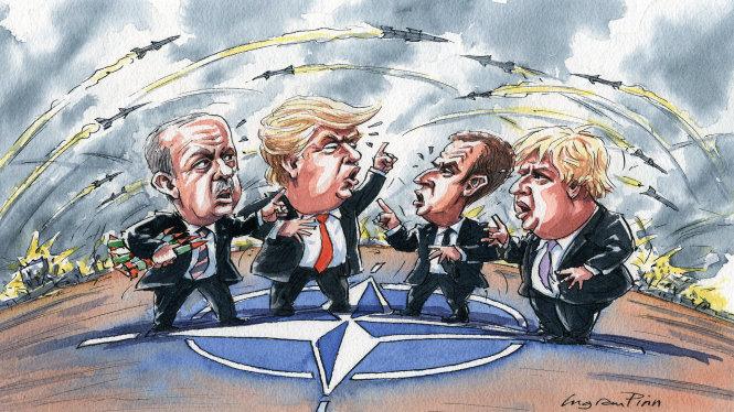 NATO đang ngày càng chia rẽ vì những ý kiến trái khoáy của ông Trump. Ảnh: ft.com