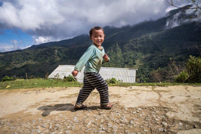 Một em bé ở thôn Sả Séng, xã Tả Phìn, Sa Pa. Ảnh: vhines200/Flickr.com