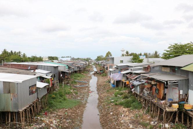 Một con kênh trong vùng ngọt hóa tỉnh Cà Mau bị khô cạn. Ảnh: Tấn Thái