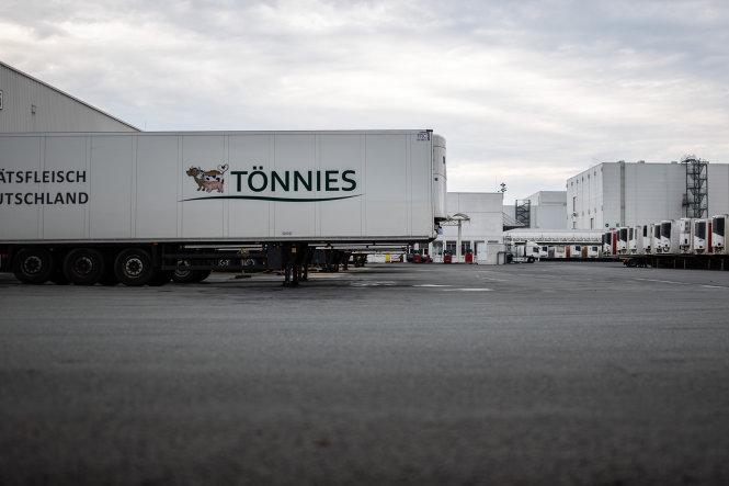 Clemens Tönnies là doanh nghiệp có 15.000 công nhân và doanh thu 5 tỉ euro/năm. Ảnh: Bloomberg