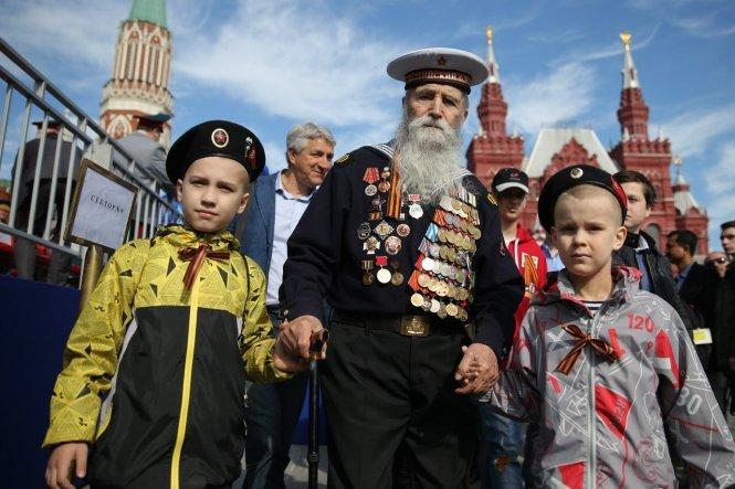 Bản sửa đổi Hiến pháp Nga đề cao việc bảo vệ các giá trị truyền thống: lòng yêu nước, đảm bảo sự toàn vẹn lãnh thổ và ký ức lịch sử. Ảnh: inc-news.ru