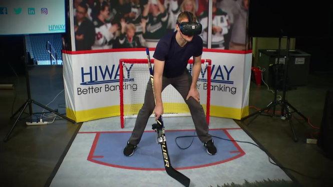 Những môn thể thao nguy hiểm như khúc côn cầu thường sử dụng công nghệ VR để các VĐV tập luyện trong lúc hồi phục chấn thương. Ảnh: Tech Trends
