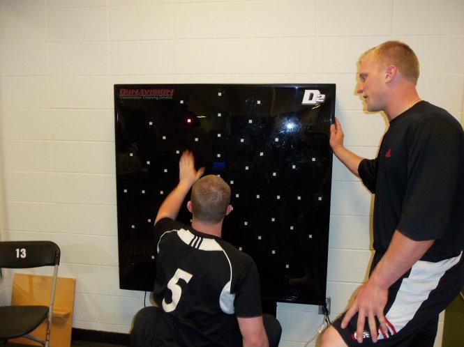 Huấn luyện kỹ năng quan sát bằng VR là một dạng tập luyện ngày càng phổ biến. Ảnh: Cincinati