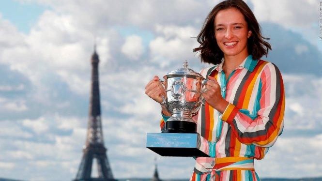 Swiatek là một trong những nhà vô địch Roland Garros trẻ nhất lịch sử. Ảnh: Getty Images