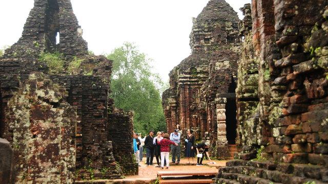 Thánh địa Mỹ Sơn: Chưa giữ được chân du khách