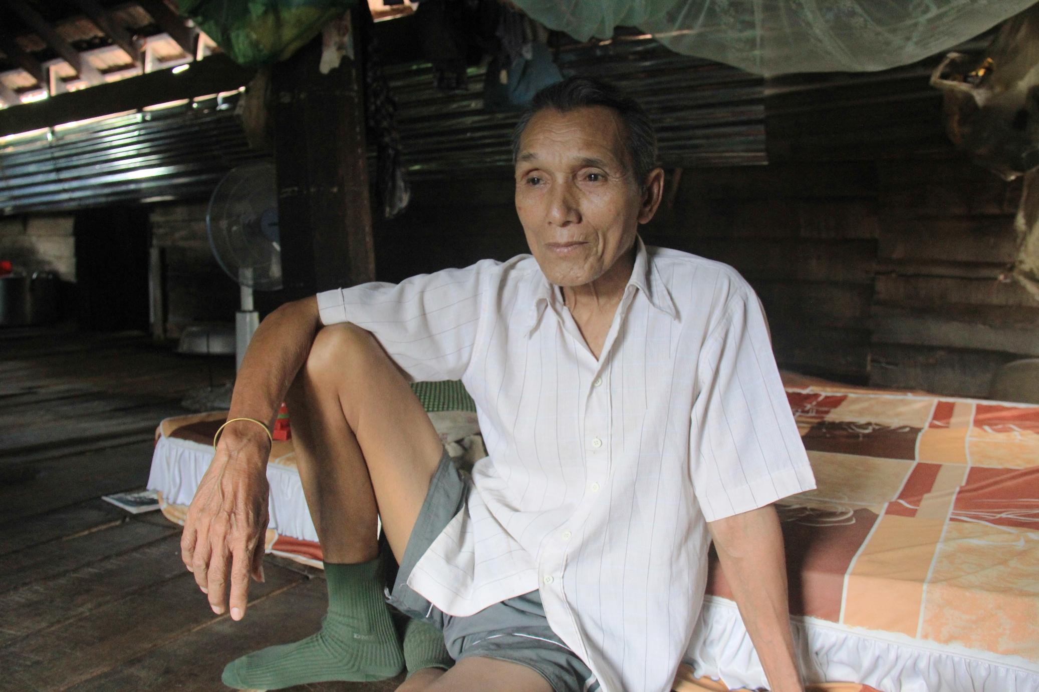 Ksor Chăm, người nuôi voi vì tình nghĩa chứ không vì lợi lộc - Ảnh: Lê Khánh
