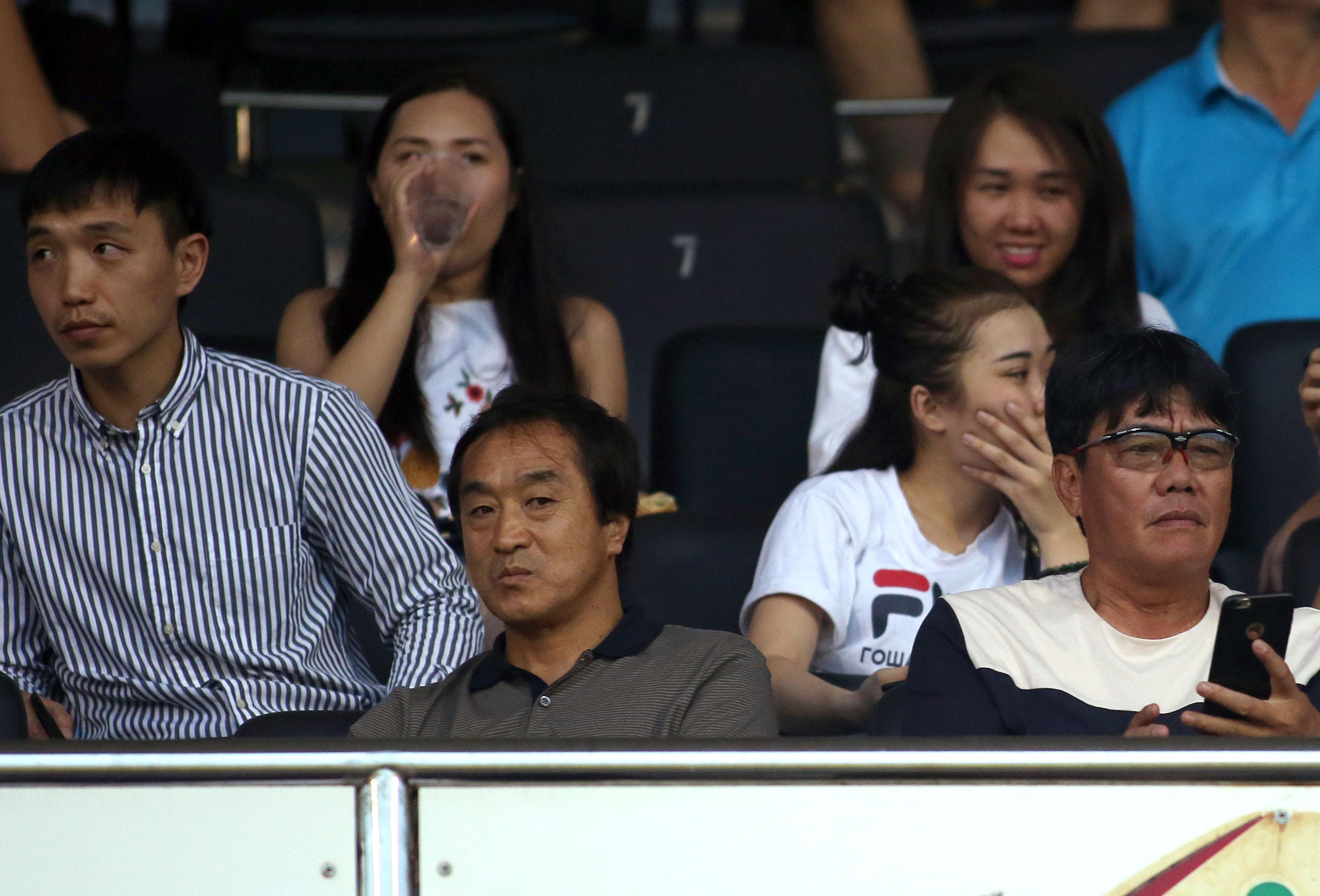 Trợ lý HLV đội tuyển VN xem trận derby của bóng đá TP.HCM