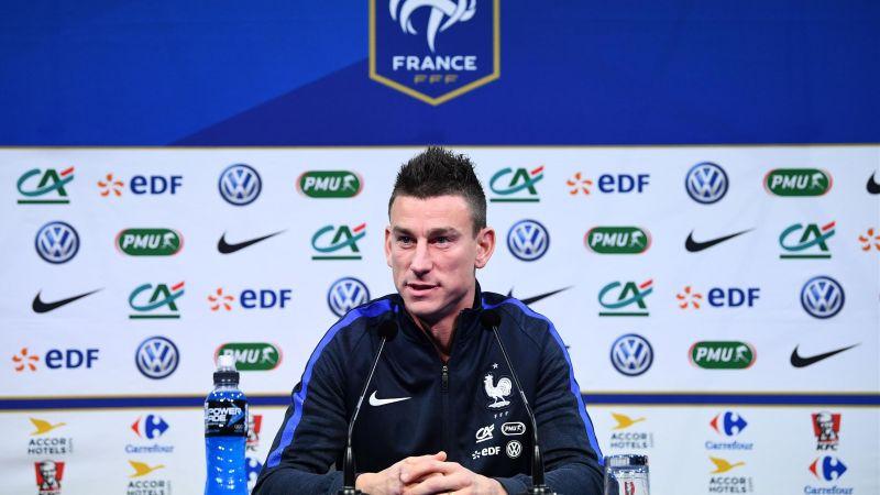 Koscielny trong một cuộc họp báo cùng tuyển Pháp. Ảnh: GETTY IMAGES
