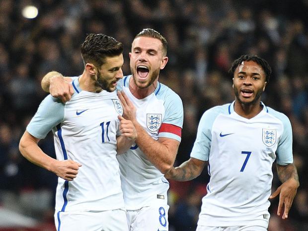 Sterling (phải) và Henderson cùng rút lui khỏi tuyển Anh vì chấn thương. Ảnh: GETTY IMAGES