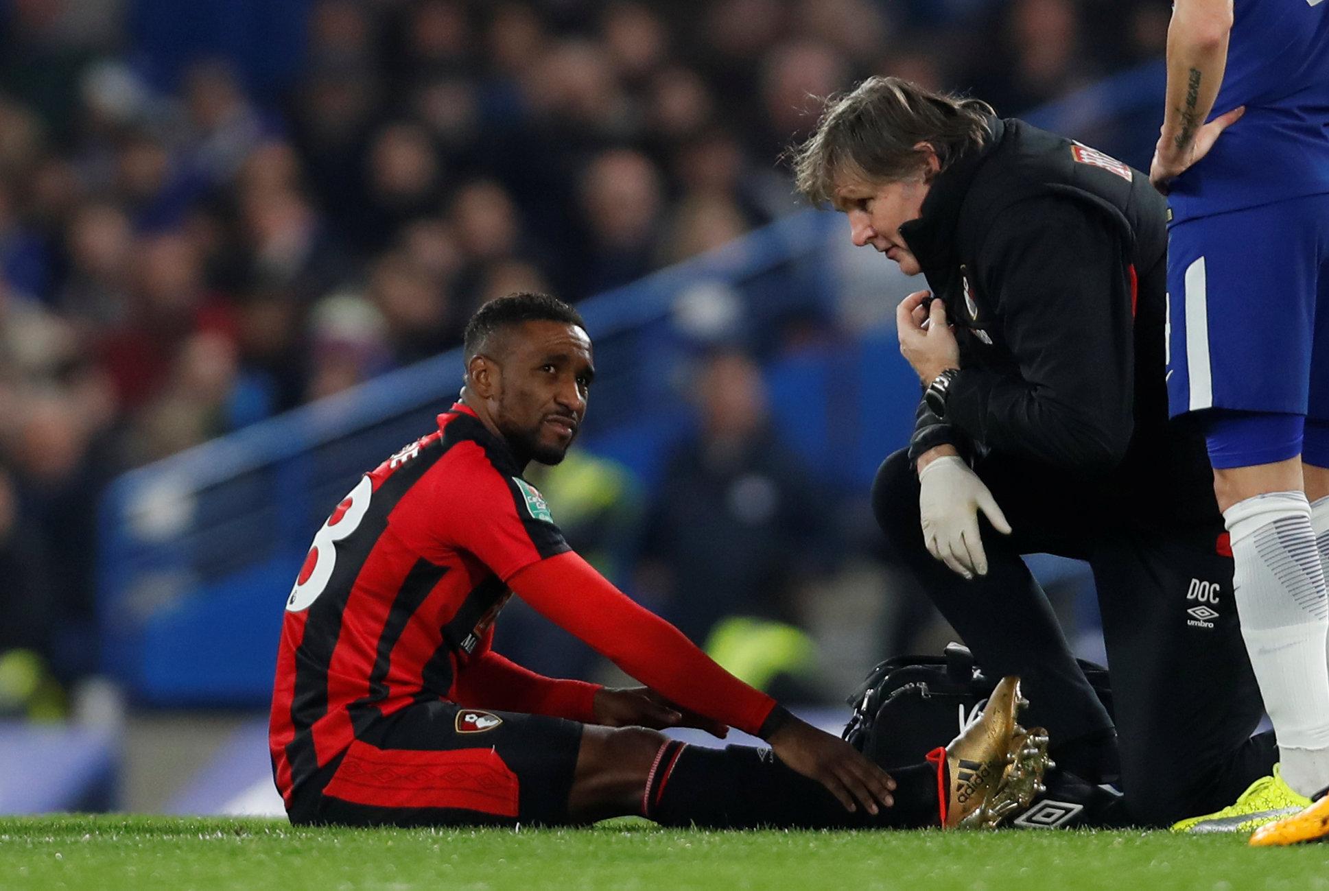 Chấn thương của Defoe khiến Bournemouth gặp nhiều khó khăn trong thời gian tới. Ảnh: REUTERS