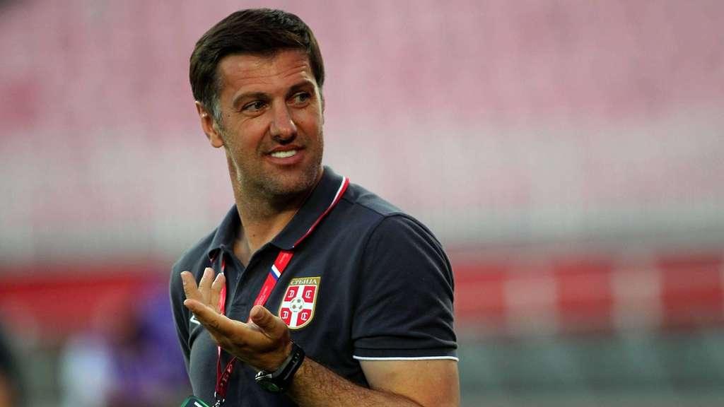 HLV Mladen Krstajic sẽ kí hợp đồng chính thức với tuyển Serbia vào tháng 1-2018. Ảnh: GETTY IMAGES