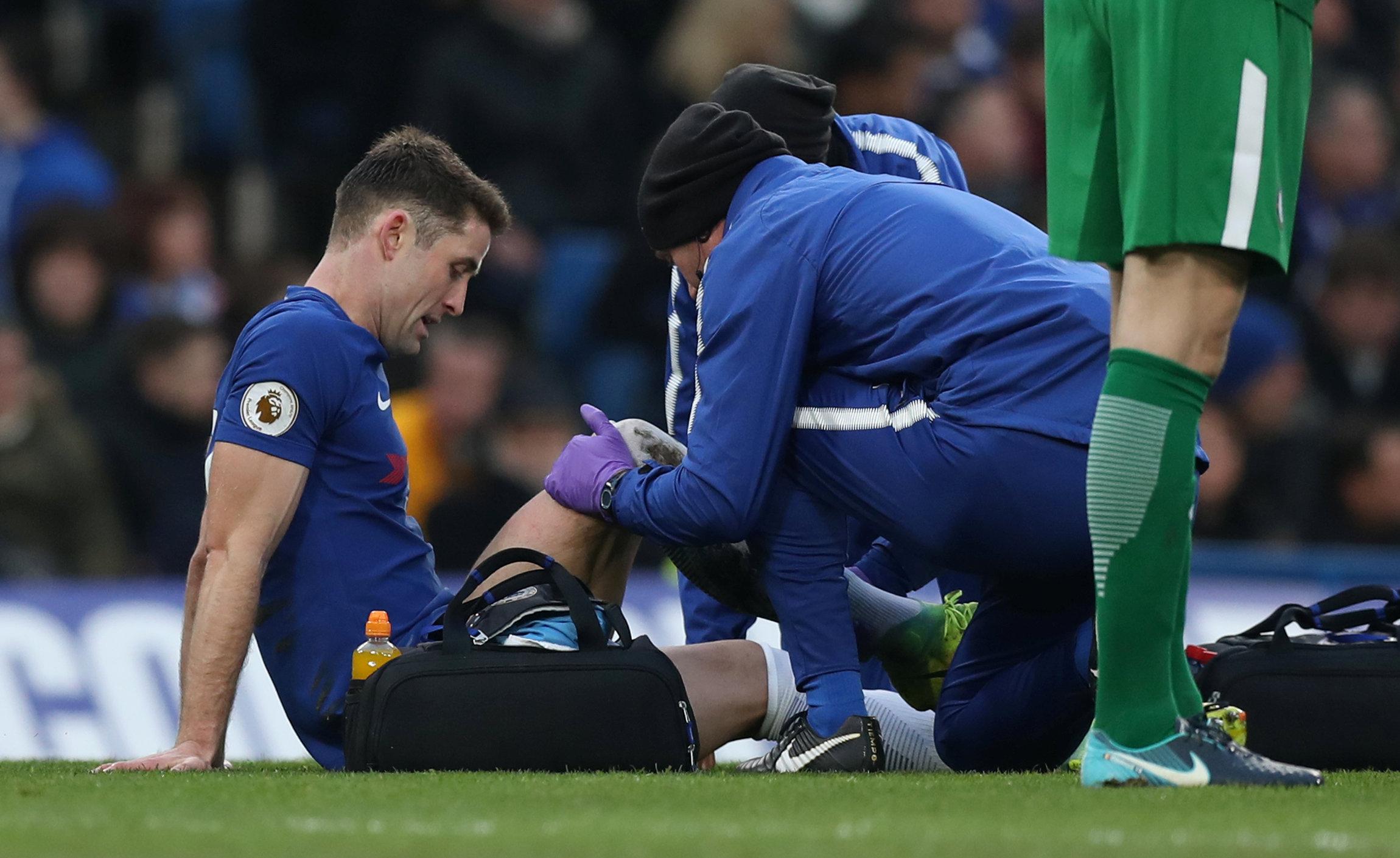 Cahill sẽ phải nghỉ thi đấu trong thời gian tới vì chấn thương. Ảnh: REUTERS