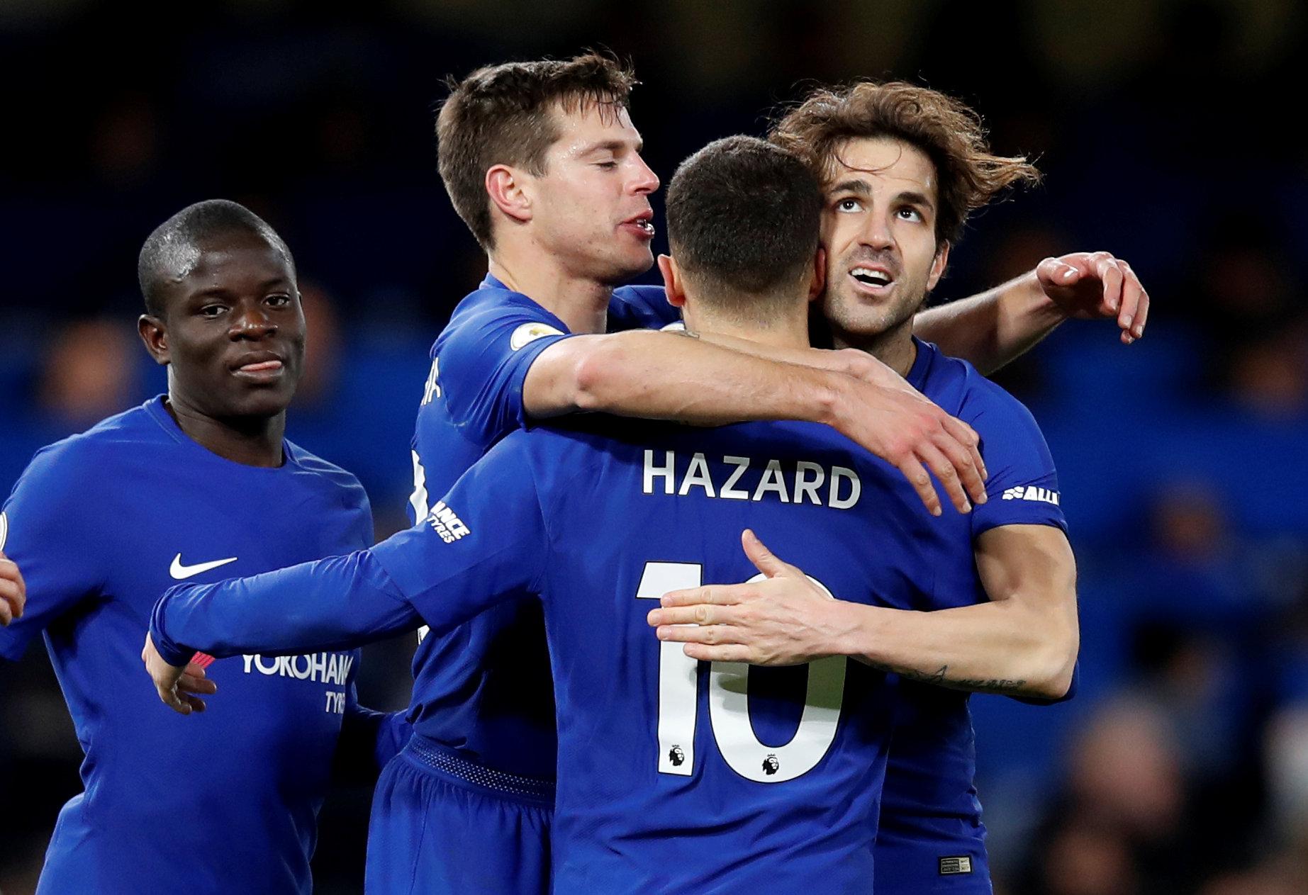 Niềm vui của các cầu thủ Chelsea sau khi Hazard nâng tỉ số lên 3-0. Ảnh: REUTERS
