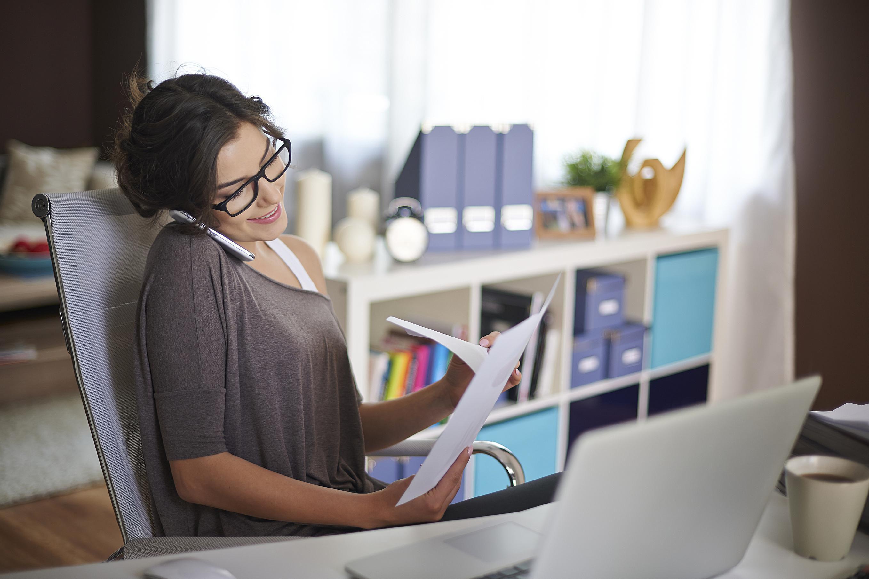 Nhiều người đang chọn làm việc tại nhà để cân bằng cuộc sống và công việc - Ảnh: iStock