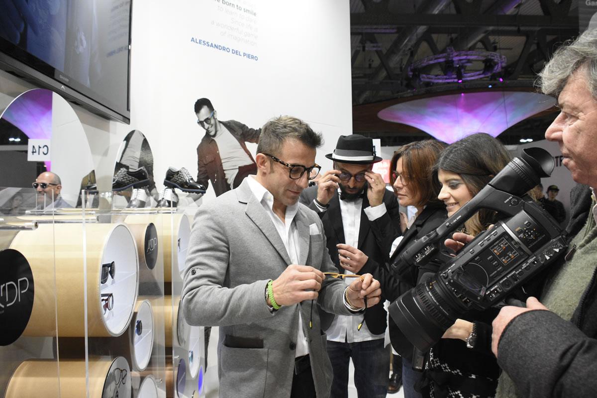 Del Piero gắn bó với lĩnh vực thời trang sau ngày giải nghệ. Ảnh: Air DP