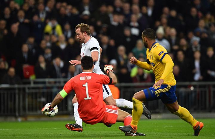 Một pha uy hiếp khung thành Juventus của Kane. Ảnh: DAILY MAIL