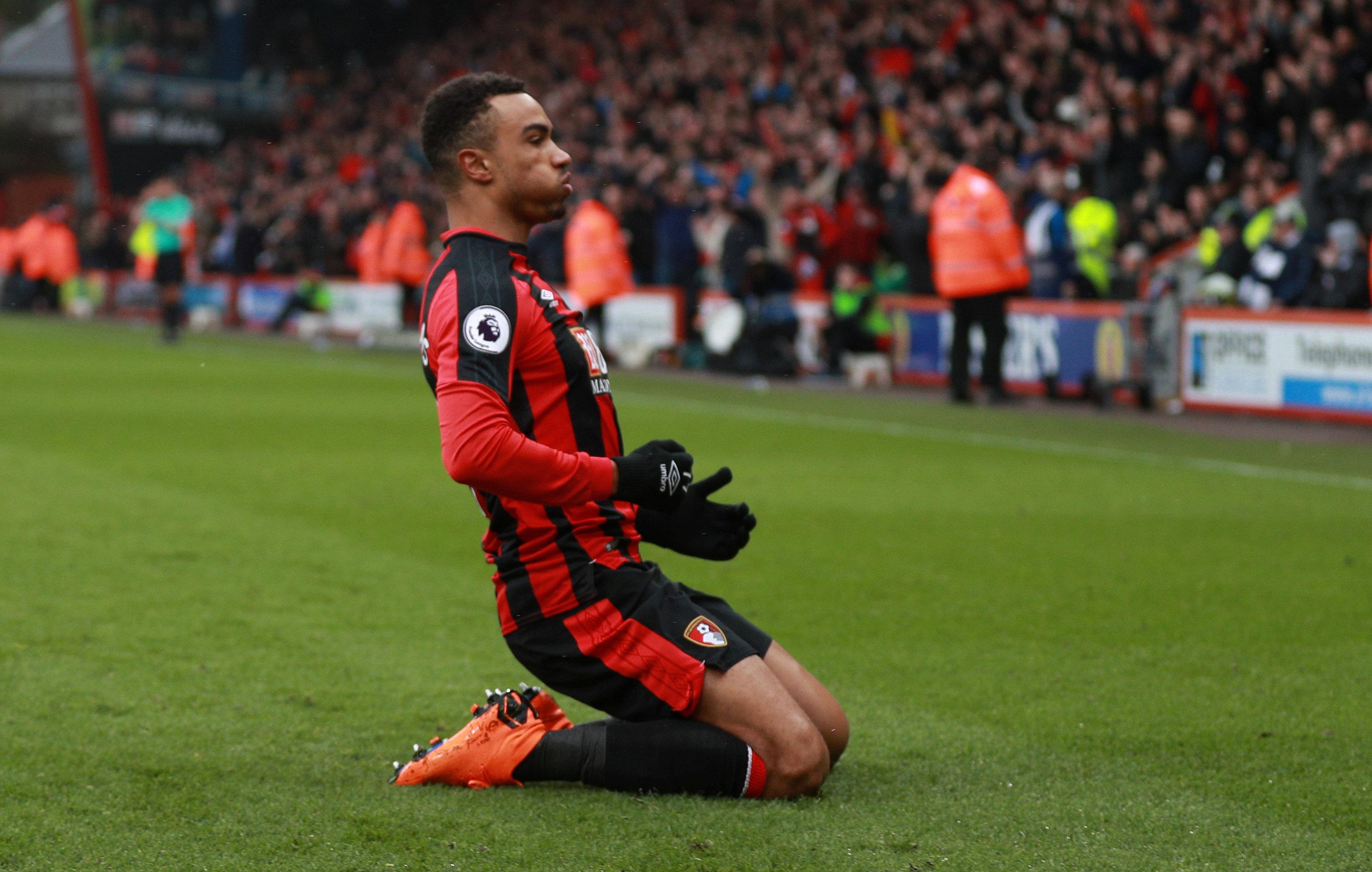 Stanislas ăn mừng bàn mở tỉ số cho Bournemouth. Ảnh: REUTERS