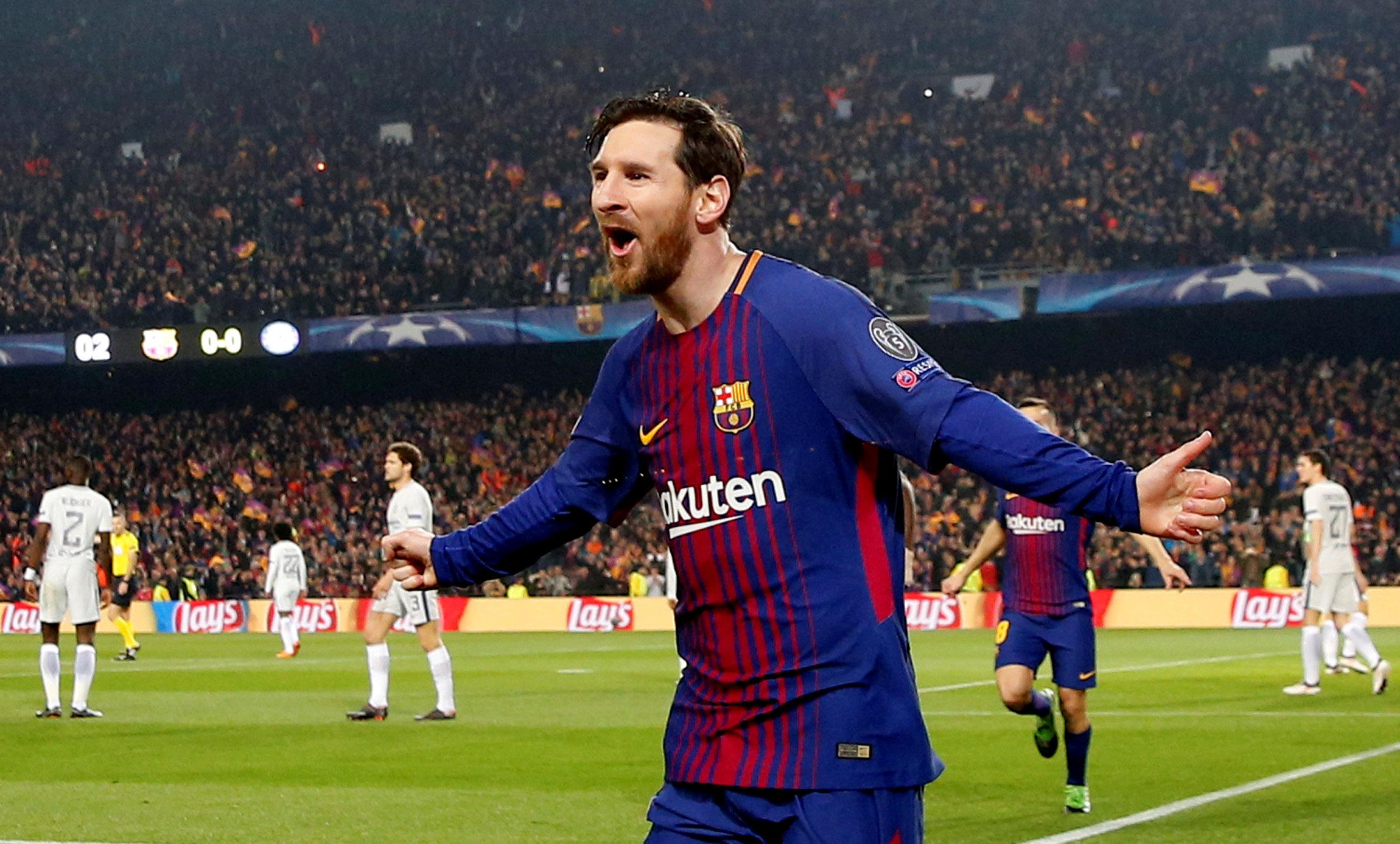Niềm vui của Messi sau khi mở tỉ số cho Barcelona. Ảnh: REUTERS
