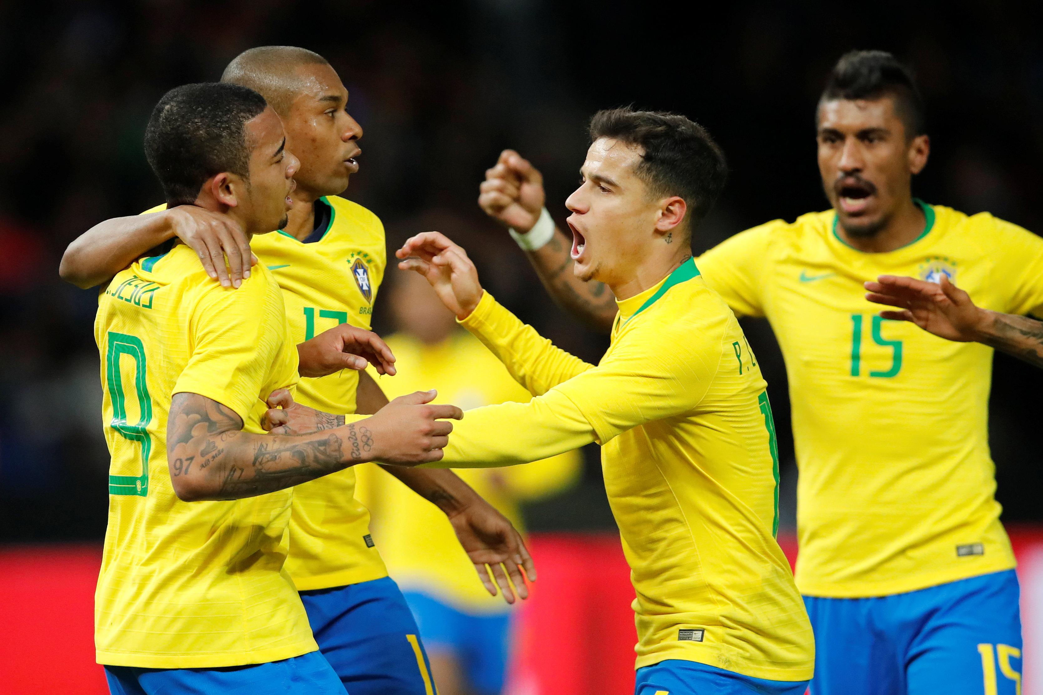 Niềm vui của các cầu thủ Brazil sau khi ghi bàn vào lưới Đức. Ảnh: REUTERS