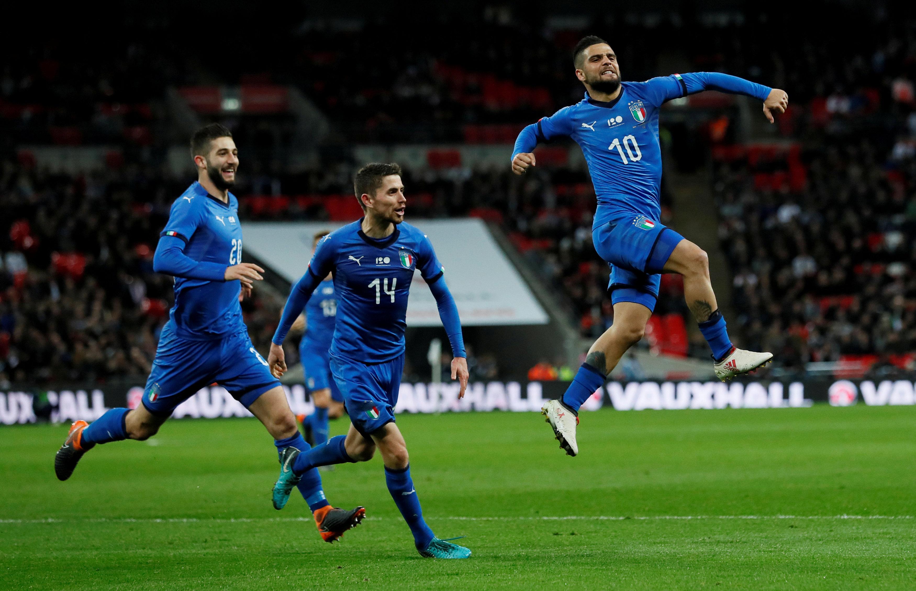 Insigne ăn mừng bàn gỡ 1-1 cho tuyển Ý. Ảnh: REUTERS