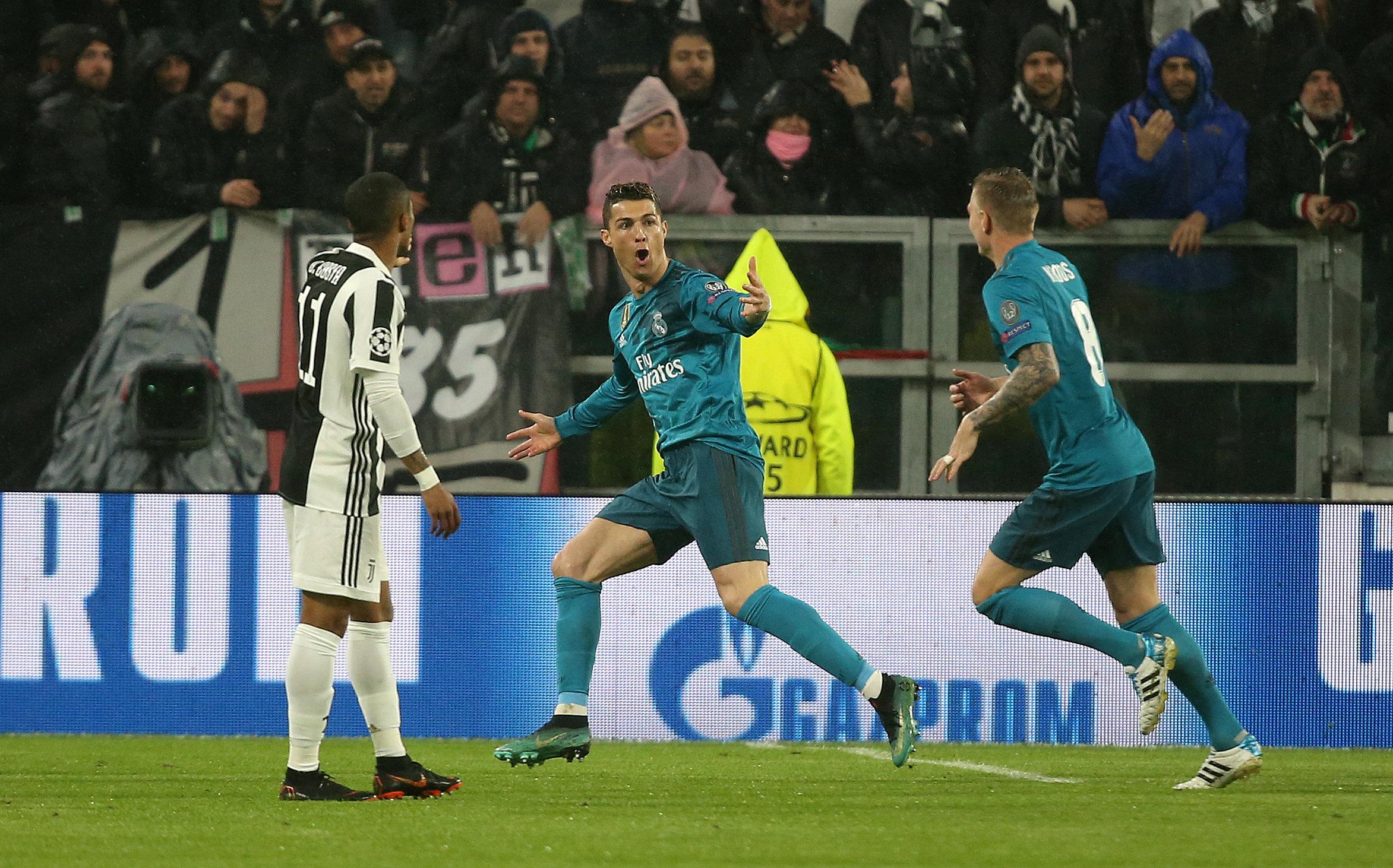 Ronaldo R U1ef1c S U00e1ng R M U0111 U1eb7t M U1ed9t Ch U00e2n V U00e0o B U00e1n K U1ebft Tu U1ed5i Tr U1ebb