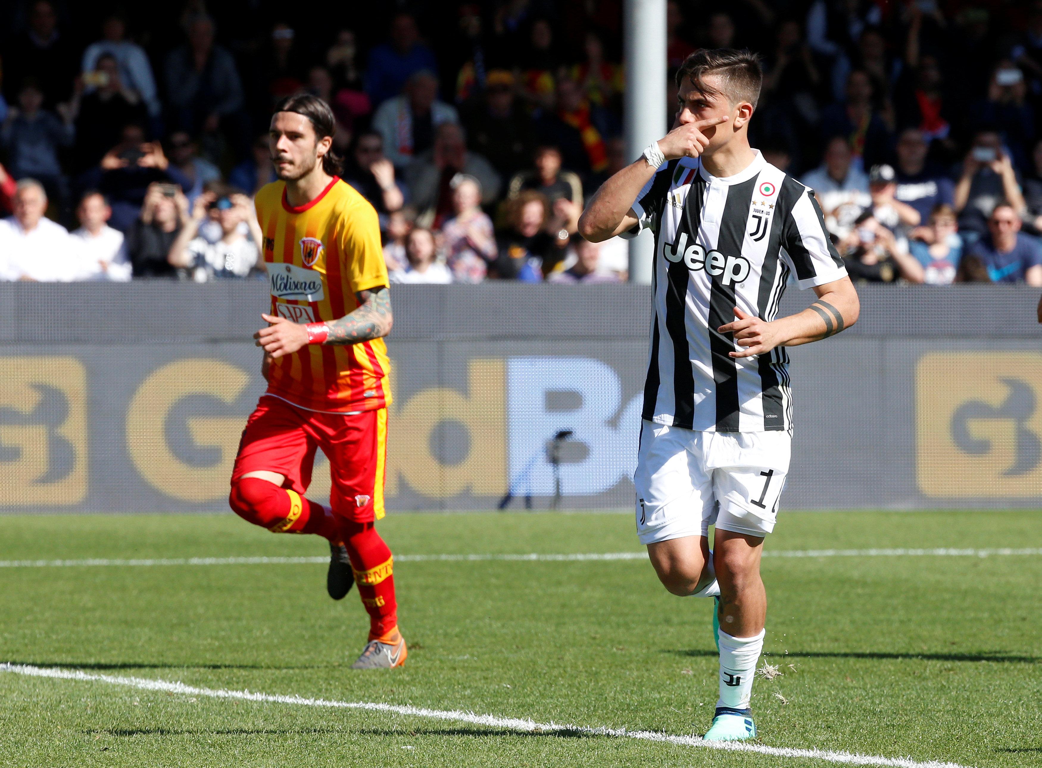 Dybala tỏa sáng với hat-trick vào lưới Benevento. Ảnh: REUTERS