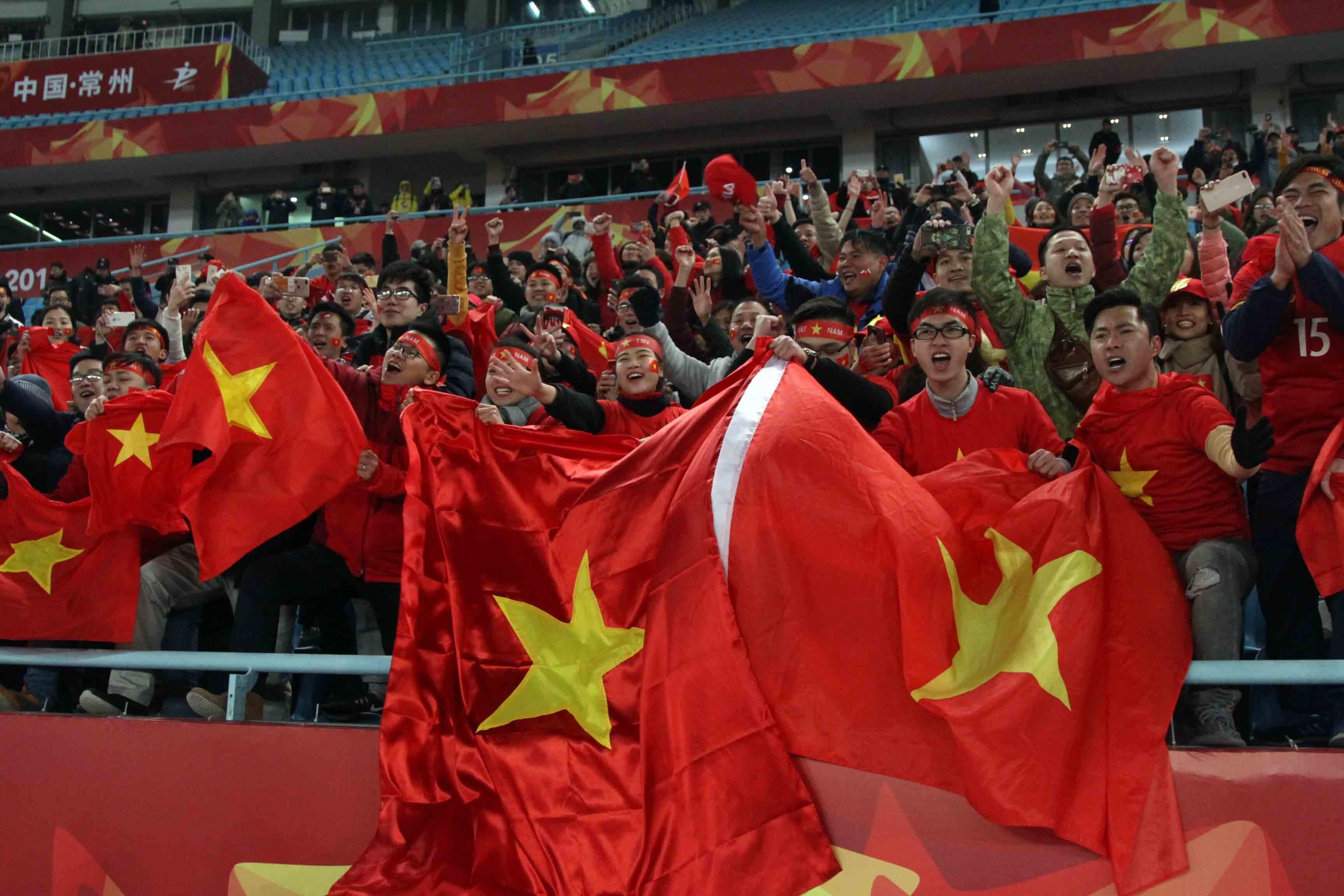 CĐV VN chờ đợi bóng đá VN cất cánh với những lãnh đạo có tâm, có tài Ảnh: N.K.