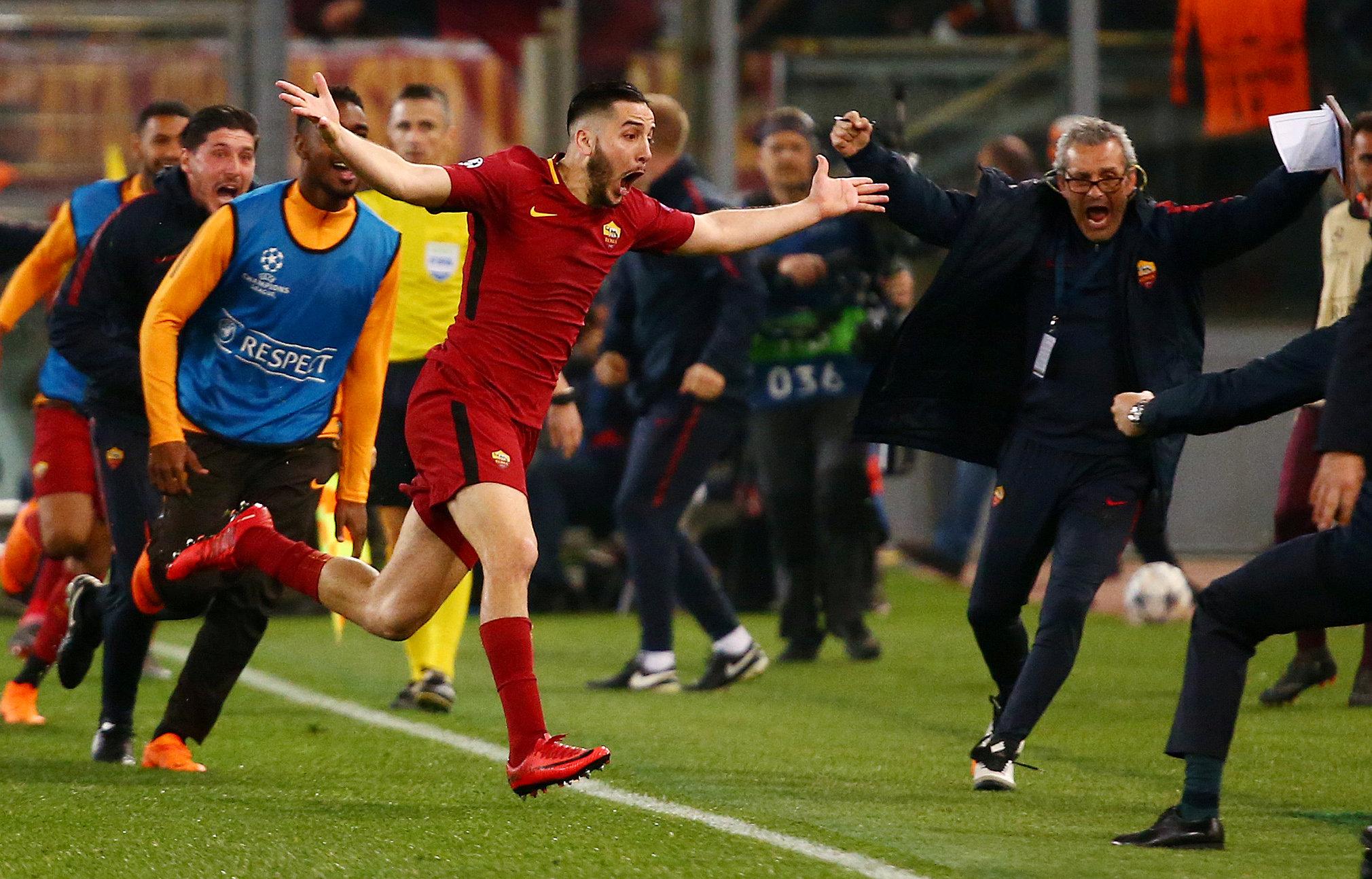 Konstantinos Manolas ăn mừng bàn quyết định vào lưới Barca. Ảnh: REUTERS
