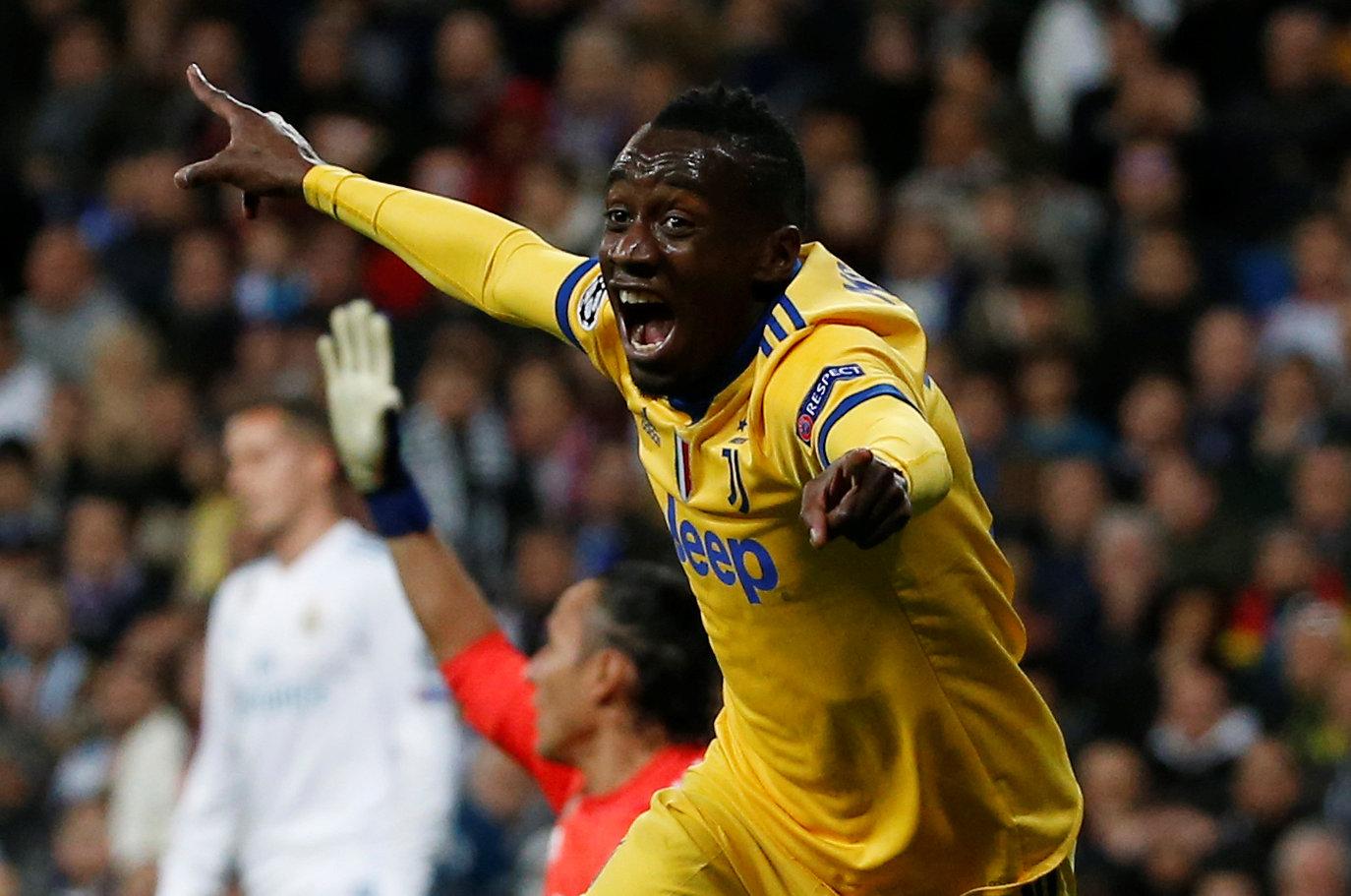 Matuidi ăn mừng bàn nâng tỉ số lên 3-0 cho Juventus. Ảnh: REUTERS
