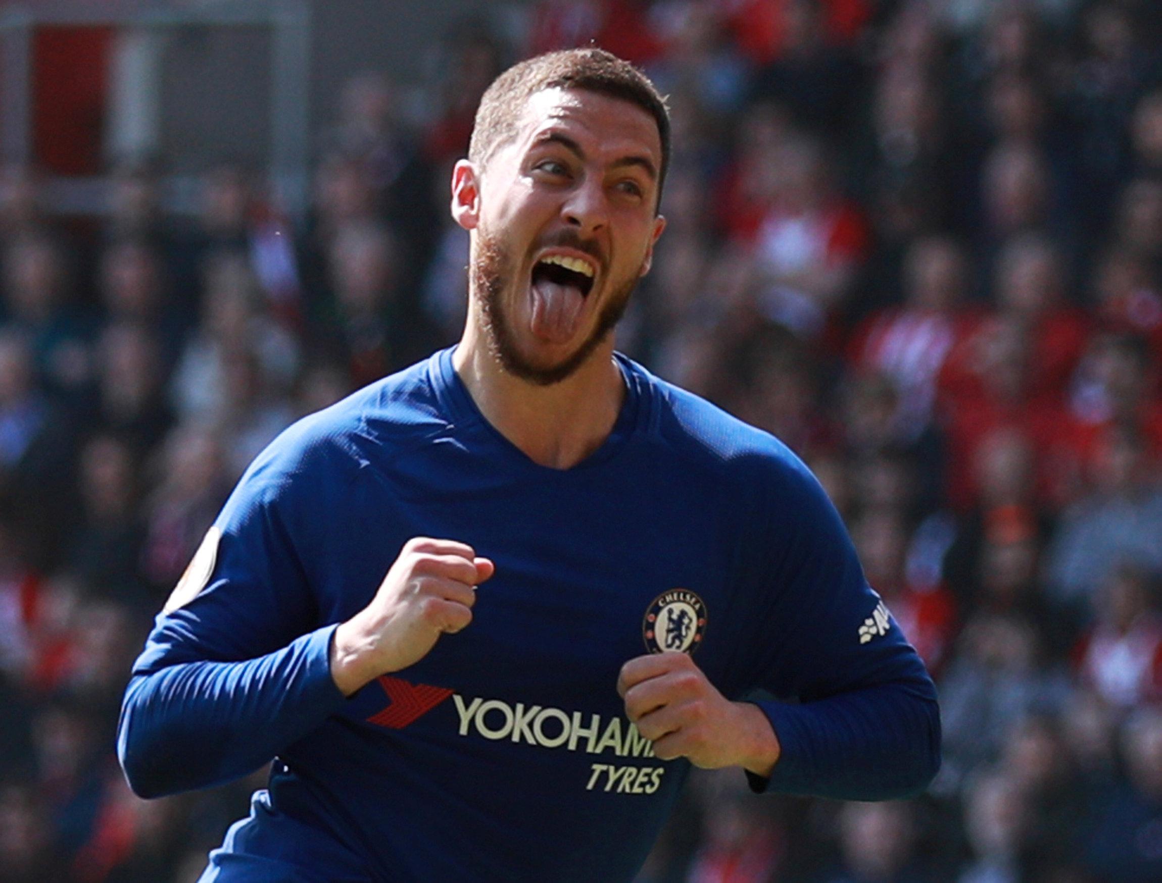 Hazard ăn mừng bàn gỡ 2-2 cho Chelsea. Ảnh: REUTERS