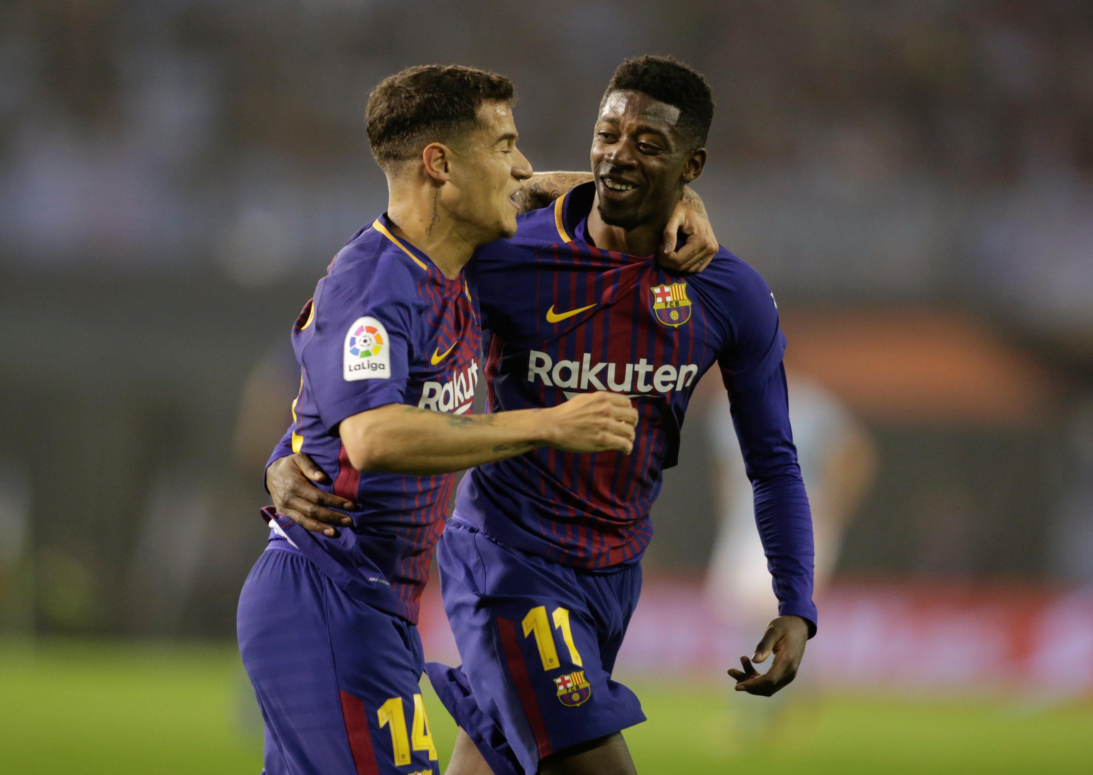 Dembele (phải) ăn mừng bàn mở tỉ số cho Barca. Ảnh: REUTERS